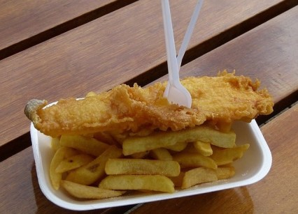 5. Fish and Chips am Hafen essen