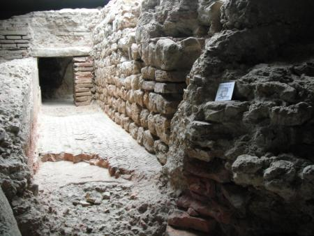 cripta romana puerta obispo