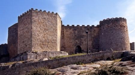 historia-y-patrimonio-fortaleza-y-muralla-4-1030x572