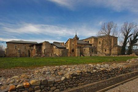 Enoturismo en El Bierzo27_Monasterio de Santa Maria de Carracedo_Carracedo del Monasterio (Copy)
