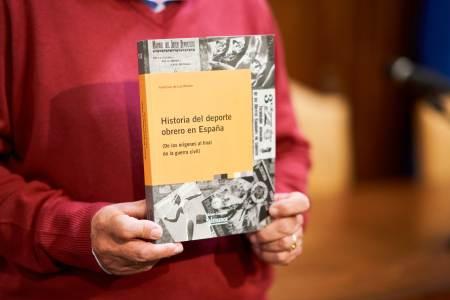 libro Historia del deporte obrero en España