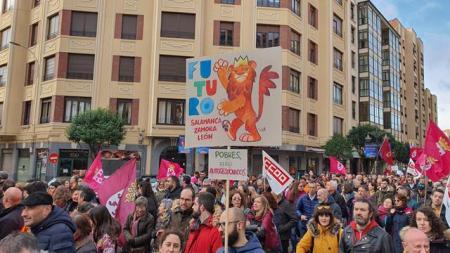 manifestacion leonesista y reindustrización de león 16 febrero
