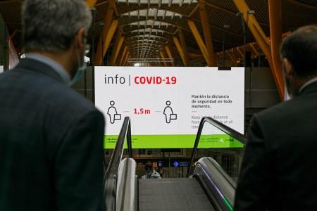 Ábalos supervisa las medidas de prevención y control adoptadas en los aeropuertos españoles