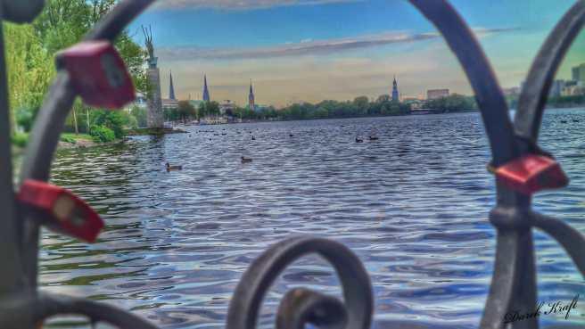 El lago alster de hamburgo