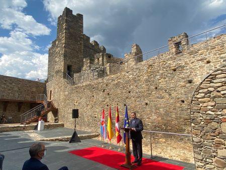 inauguración de las obras de rehabilitación y puesta en uso del Castillo Viejo de Ponferrada