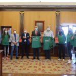 El Ayuntamiento de León recibe a las jóvenes promesas del atletismo leonés