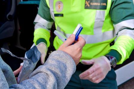 guardia civil alcoholimetro