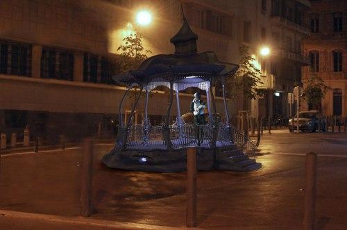 Simulations d'intégration de l'oeuvre sur la place Lulli, de nuit