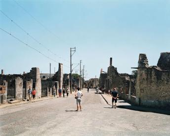 Ambroise Tézenas, Oradour-sur-Glane, village martyr (France), rue principale