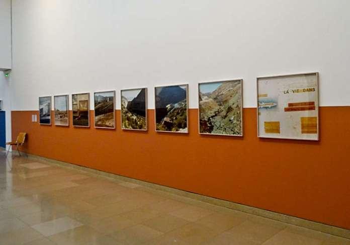 Yto Barrada, La route des dinausores et Tuscon, 2015, tirages c-print « Faux guide », Carré d'Art - 2015-2016