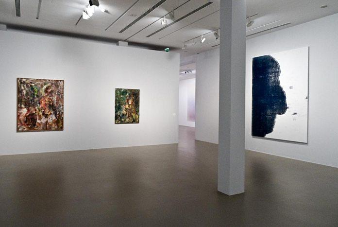 Eugène Leroy, Homme en croix, 1990 et Lumière sur Marina, 1991 - Christopher Wool, Sans titre, 2015 - Très traits à la Fondation Vincent Van Gogh Arles