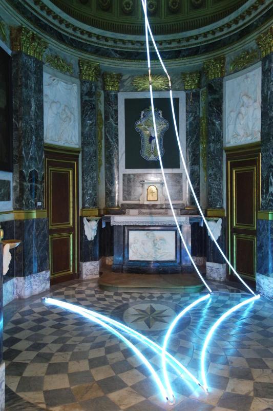François Morellet, Lamentable, 2006. Collection Féraud Fonds M-Arco - Les Possédés - chapitre 1 au Château Borély, Marseille.  Courtesy Collection Féraud/Fonds M-Arco