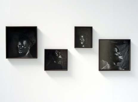 Zanele Muholi, S'thombe IV, II, I, III, La Réunion, 2016 - «Somnyama Ngonyama» - Fondation LUMA Arles, La Mécanique Générale, Arles 2016 - Vue de l'exposition