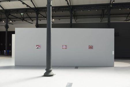 Avec l'aimable autorisation de la Fondation LUMA, SYSTEMATICALLY OPEN ? Nouvelles formes de production de l'image contemporaine, LUMA Arles 2016. Installation view Elad Lassry,_ Untitled_ Photo Lionel Roux