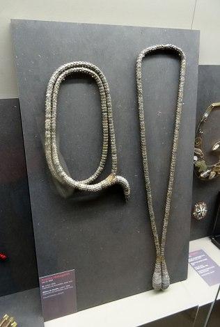 Sophie Hanagarth, Q, 1999 et Bijoux de famille, 1997 - Mission Mode, Styles Croisés au Château Borély