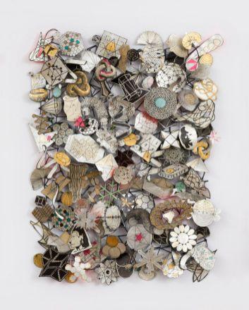 Jane Hammond, Results Of Search Impossible Drawings, encre sur papier gampi avec feuille japonaise d'argent, acrylique, plastique, fils d'aluminium, 114 x 91 x 11 cm - © Jane Hammond - courtesy galerie Lelong Paris