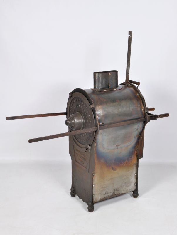 Torréfacteur à air, vers 1920, fer et tôle, 135 x 140 x 50 cm. Mucem, Marseille © Mucem