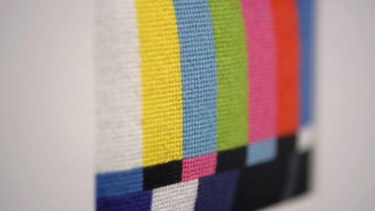 Nathalie Bujold, Pixels et petits points, 2004. Ménage/Montage, Vidéochroniques ©Nathalie Bujold