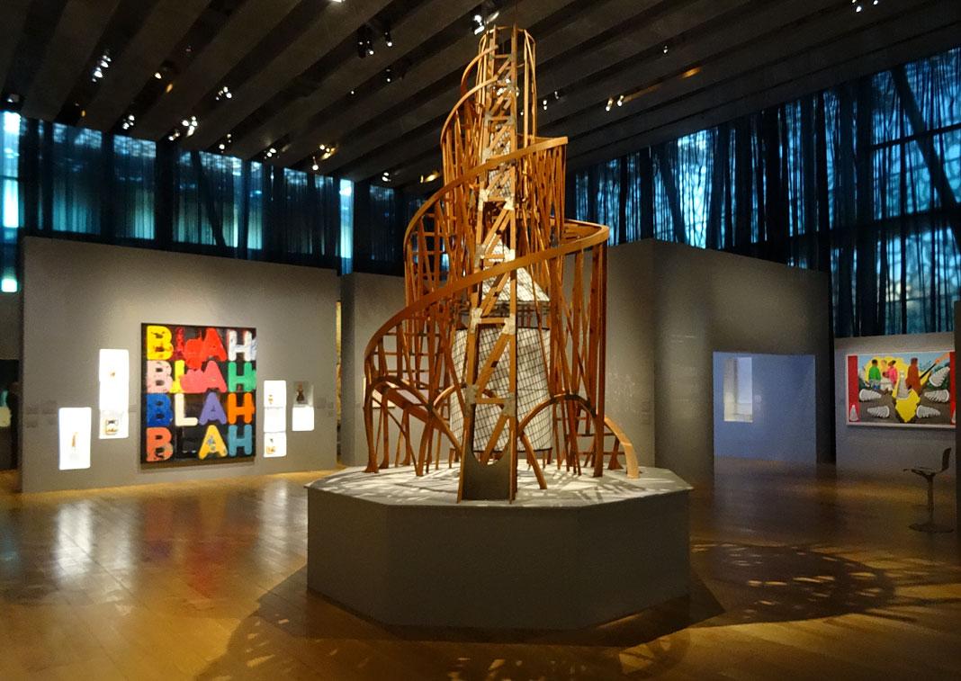 Après Babel, traduire au MuCEM. Vue de l'exposition. Babel, malédiction ou chance : politiques de la langue