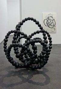 Jean-Michel Othoniel, Black Lotus, 2016 - fonte d'aluminium anodisé peinte en noir, 166 x 150 x 138 cm