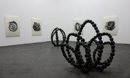 Jean-Michel Othoniel au CRAC à Sète - Salle 3 - Sculptures et peintures