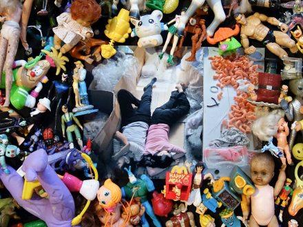 Michael Wolf, La vie dans les villes - «The Real Toy Story» (2004)