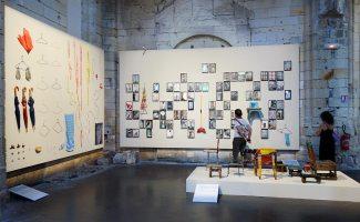 Michael Wolf, La vie dans les villes - Rencontres Arles 2017 - Bastard Chairs» (2001-2016), «Informal Solutions» (2003-) et «Hong Kong Assemblage Deconstructed» (2015)