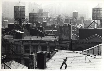 Babette Mangolte, Trisha Brown - Roof Piece, 1973
