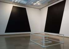 Sol Lewitt, Serial Project n°1 (ABCD) A4, 1966 et Wall Drawing #346, 1981 - A different way to move - Minimalismes
