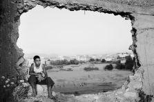 Leila Alaoui, Sans titre, de la serie « no pasara », 2008. Tirage Photographique. © Fondation Leila Alaoui & GALLERIA CONTINUA, San Gimignano / Beijing / Les Moulins / Habana