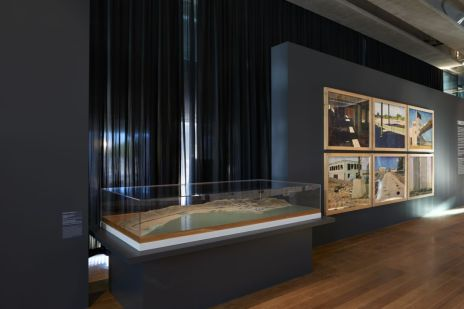 Scenographie Mucem Exposition Connectivites Nov 2017 (c) François Deladerriere