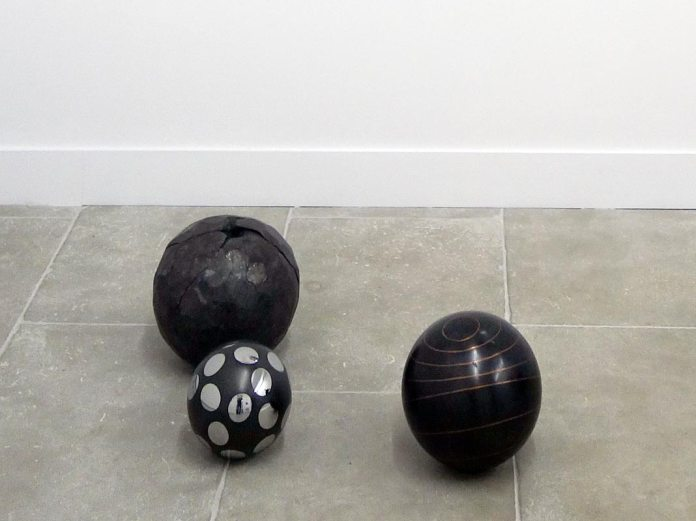 Vladimir Skoda, Sans titre, 1986, Symétrie approximative,1995 et Iscosaèdre, 2009