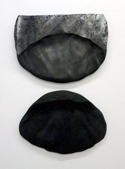 Vladimir Skoda, Sans titre, acier forgé, 1980-1985, diptyque, acier forgé, 40 x 52 x 2,5 cm, 50 kilos