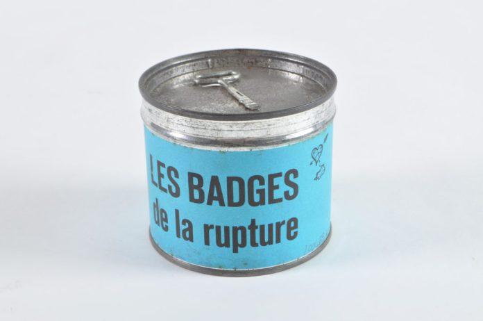 L'amour de A à Z - MP2018. Boîte de « badges de la rupture » vers 1960. Mucem
