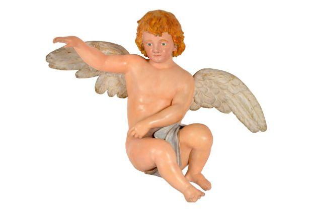 Ange d'orgue monumental, firme Gavioli, France, 1895 Mucem © Mucem. Cupidon (ou Éros) est depuis l'Antiquité le dieu de l'amour. Il est toujours représenté sous les traits d'un jeune enfant quasi nu et ailé, tel un ange. À la différence près que cet ange décoche de son arc des flèches qui font instantanément tomber amoureux ceux qui en sont touchés.