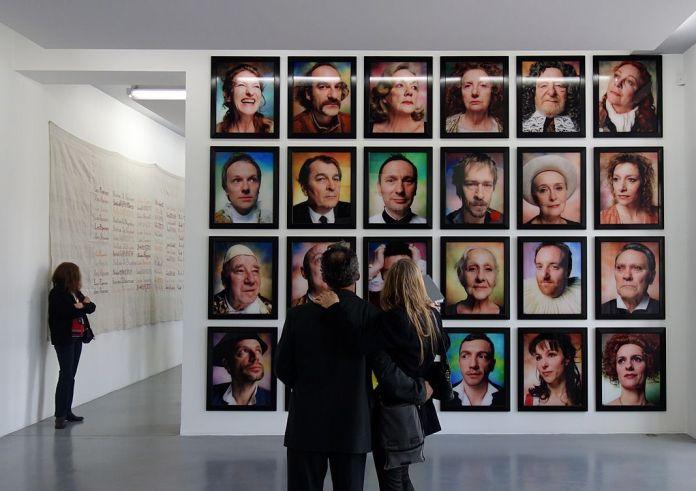 Andres Serrano, série «Comédie Française», 2007 -J'♥ Avignon à la Collection Lambert