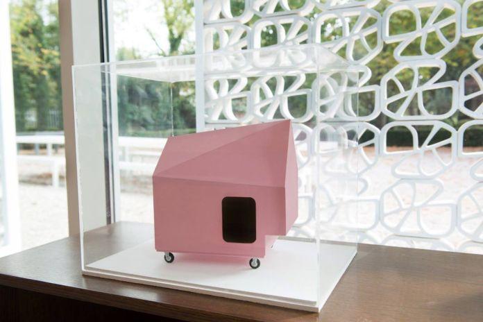 Première exposition chez A+Art à Montpellier - Jeanne Susplugas, Pink house, 2005 - photo © Pierre Schwartz