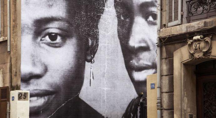 UNFRAMED, Portraits de mes grands-parents Berthe et Diallo revu par JR, Mali, 1973, Marseille, France, 2013