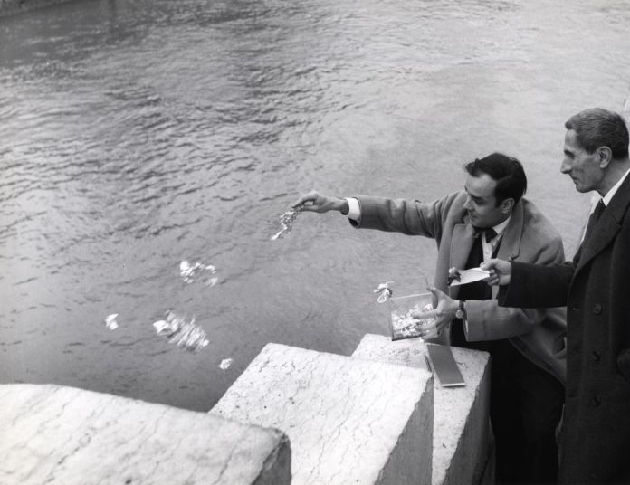 Yves Klein Cession d'une zone de sensibilité picturale immatérielle à Dino Buzzati. Série n°1, zone 05 (IMMA 013). 26 janvier 1962, Pont au Double, Paris, France. © Succession Yves Klein / ADAGP Paris, 2018