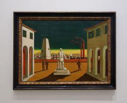 Giorgio De Chirico, Place d'Italie , Circa 1980 - Soleil Chaud, soleil tardif à la Fondation Vincent van Gogh Arles