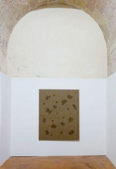 Kim Tschang-Yeul - L'Événement de la nuit à la chapelle du Méjan – Arles -Vue de l'exposition, niveau 0 - deuxième chapelle à droite