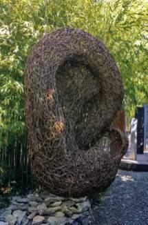 Véronique Matteudi, Réseaux de bruits enchevêtrés, 2017 - Tissage / Tressage... quand la sculpture défile à la Villa Datris