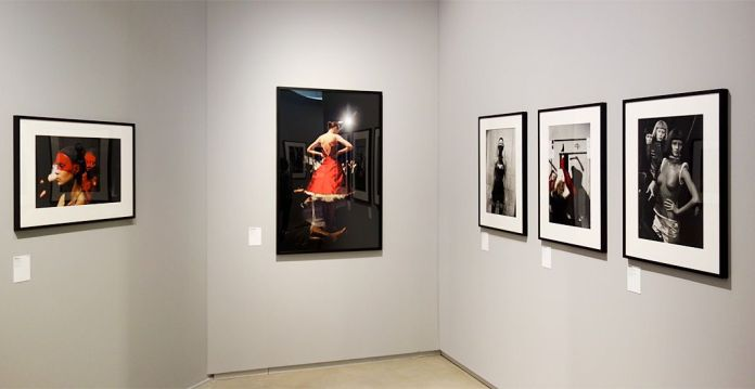 Ann Ray - Les Inachevés- Lee McQueen - Rouge sang et chair obscure - Rencontres Arles 2018
