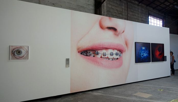 Matthieu Gafsou - H+ aux Rencontres Arles 2018 - 1 Prothèses - Vue de l'exposition