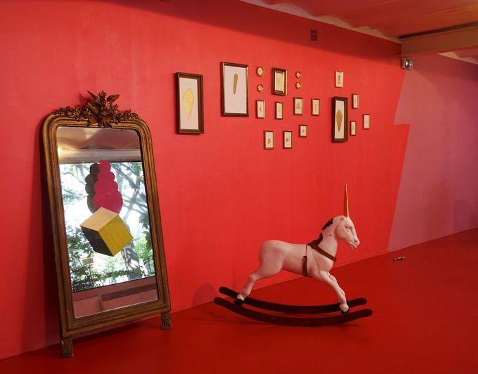 John Deneuve, Sans tire te Licorne, 2018 - Bad Girls go to hell - art-cade, Galerie des grands bains douche - Marseille