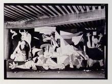 Dora Maar, Guernica dans l'atelier des Grands Augustins, Paris, mai-juin 1937 - Reprodiction de la photographie conservée par le musée Piacasso Paris
