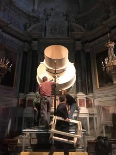 Guillaume Cousin - Le silence des particules - Expériences en suspension #1 - Installation en cours à la Chapelle de la Visistation