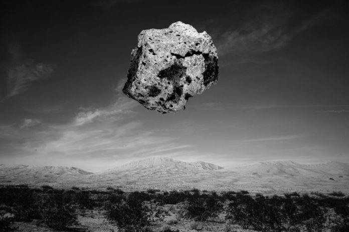 Reno Salvail - Une pierre sur Bardenas © Reno Salvail