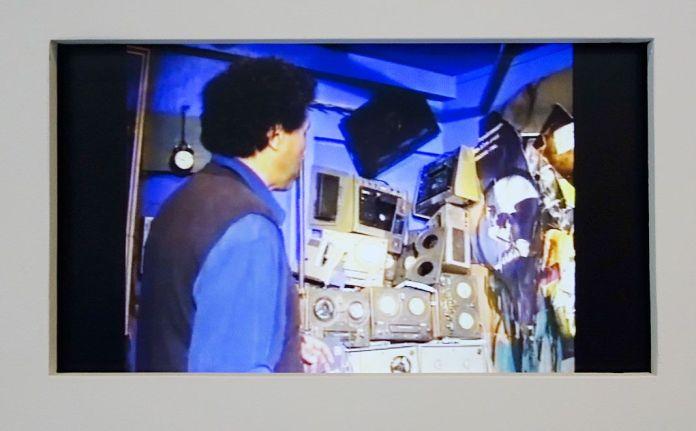 Kacimi 1993-2003, une transition africaine au Mucem - Montage des rushes tournés en 1993 - La Grotte des temps futurs