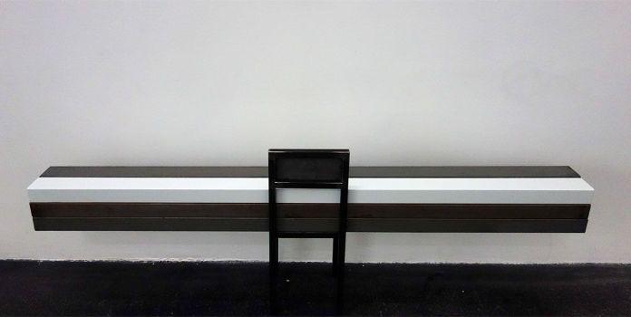 Laura Lamiel - Sans titre, 2000 - 2018. Barres en acier émaillé et peint.